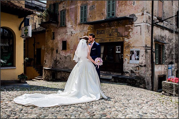 just-married-lake-orta-italy