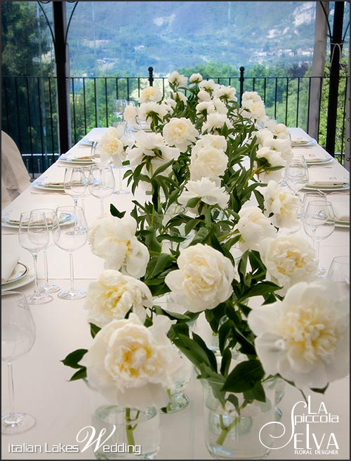 peonies-wedding-table-decoration-italy
