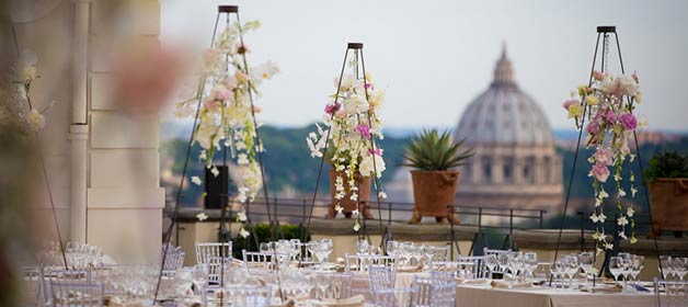 Seasonal wedding flowers in Italy