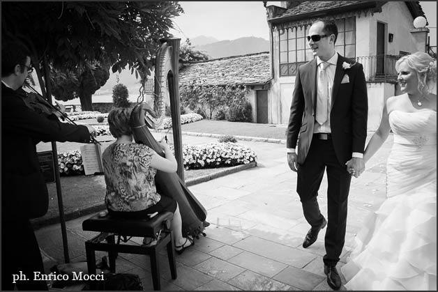 harp-violin-duo-wedding-lake-Orta-Italy
