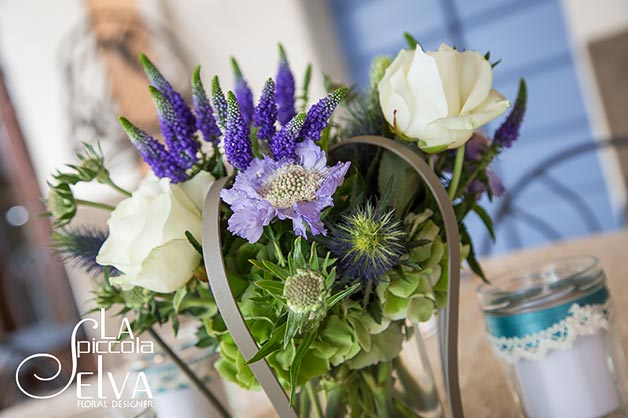 06_country-chic-wedding-flowers
