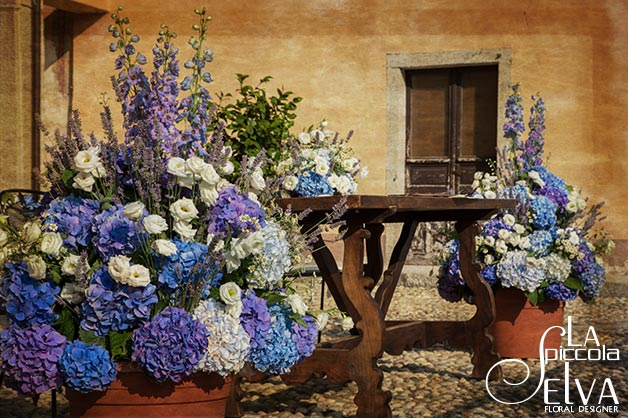 07_country-chic-wedding-flowers