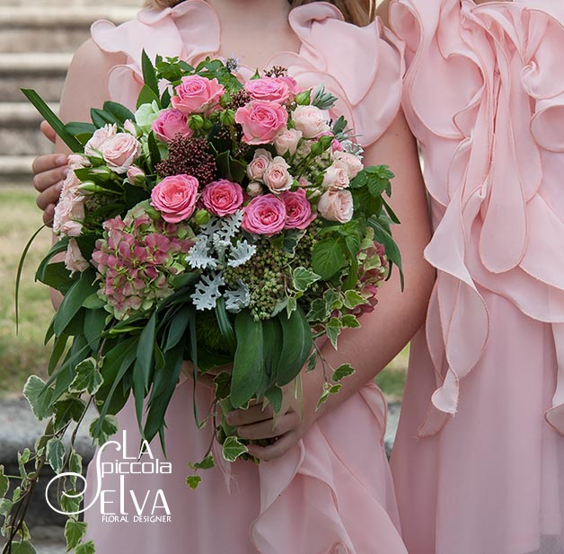 15_country-chic-wedding-flowers