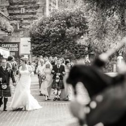Bagpipes and kilts for a wonderful Scottish wedding on Lake Garda shores