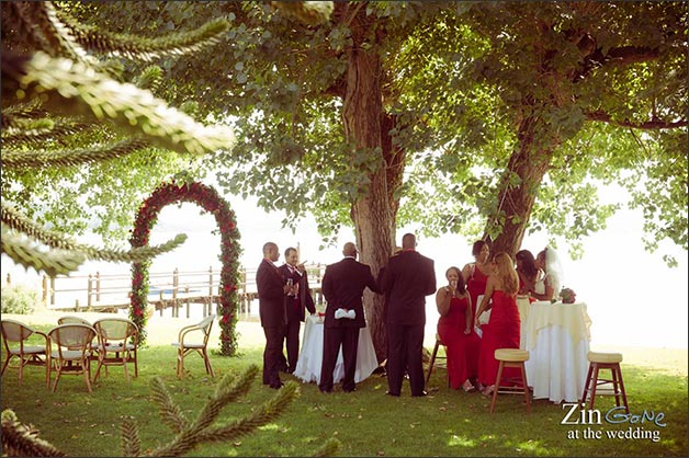 11_intimate-blessing-ceremony-lake-Bracciano-Rome