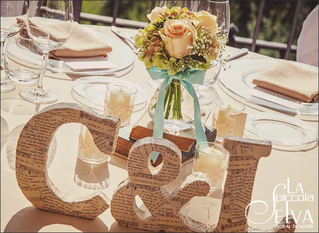 shabby-chic-wedding-flowers-centerpieces