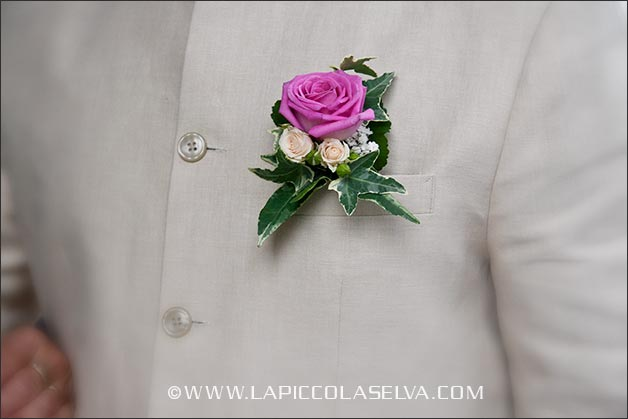 rose-wedding-buttonhole