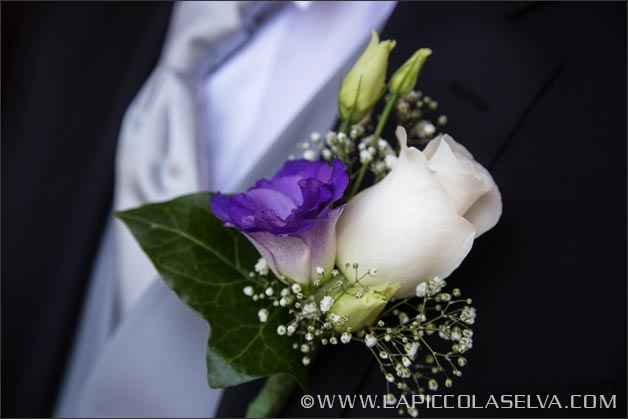 purple-wedding-buttonhole