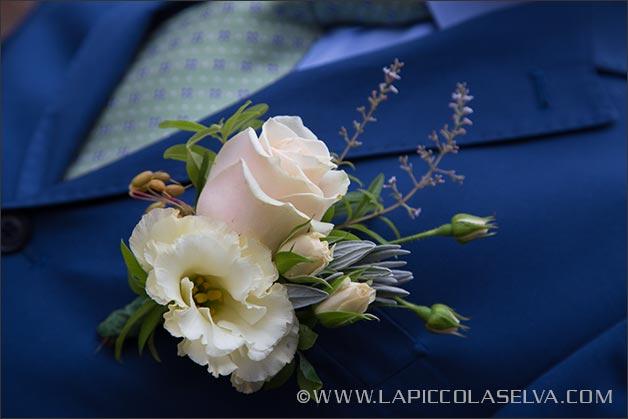 lavender-wedding-buttonhole