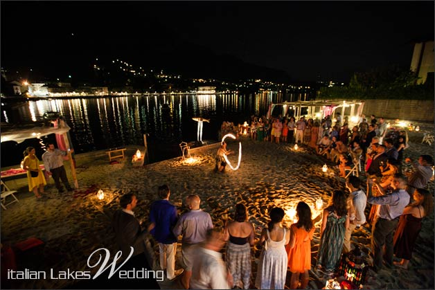 29_fire-eater-wedding-lake-Como