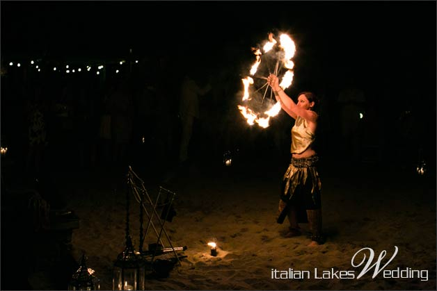 32_fire-eater-wedding-lake-Como