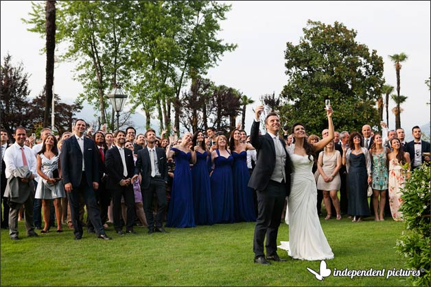 19_blue-wedding-flowers-in-Stresa