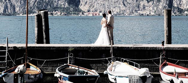 A Late Summer Intimate Event on Lake Garda