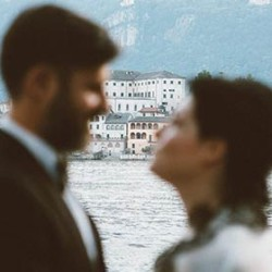 An intimate Rock and Roll Wedding on Lake Orta