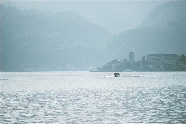 rock-wedding-lake-orta_19