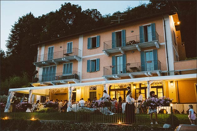 rock-wedding-lake-orta