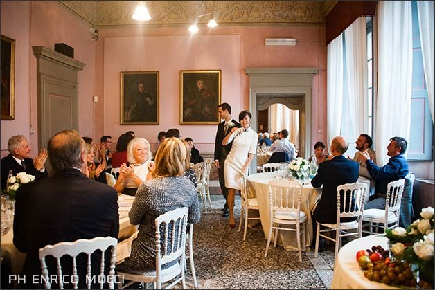 china_flair_wedding_lake_orta_italy_25