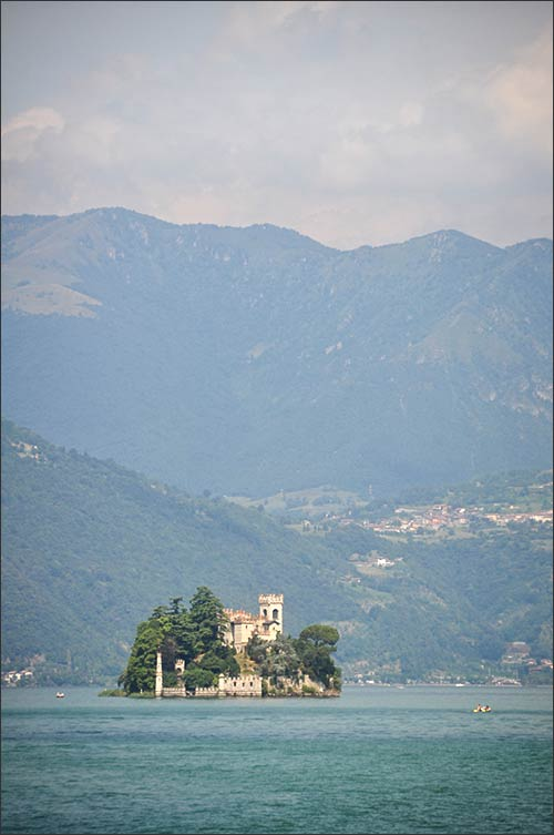 floating-piers-christo-lake-iseo-wedding_02