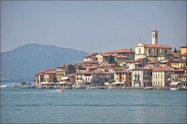 floating-piers-christo-lake-iseo-wedding_07