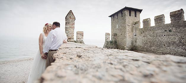 An intimate elope in Sirmione, Lake Garda