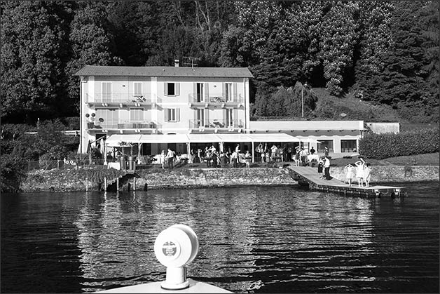 romantic-lake-orta-wedding-party_02