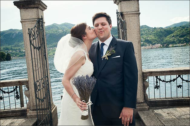 romantic-lake-orta-wedding-party