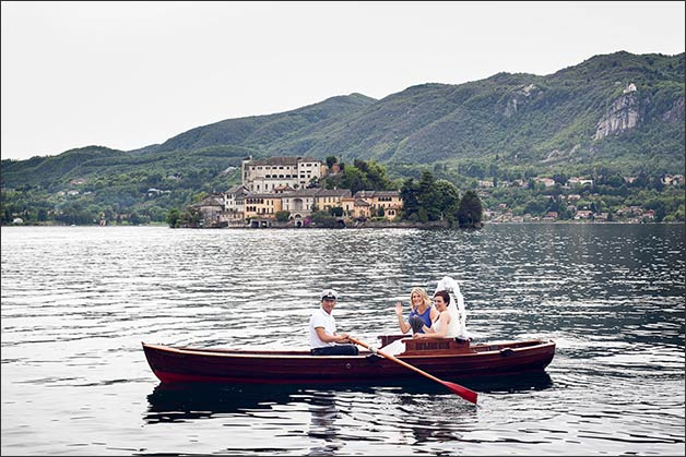 romantic-lake-orta-wedding-party_11
