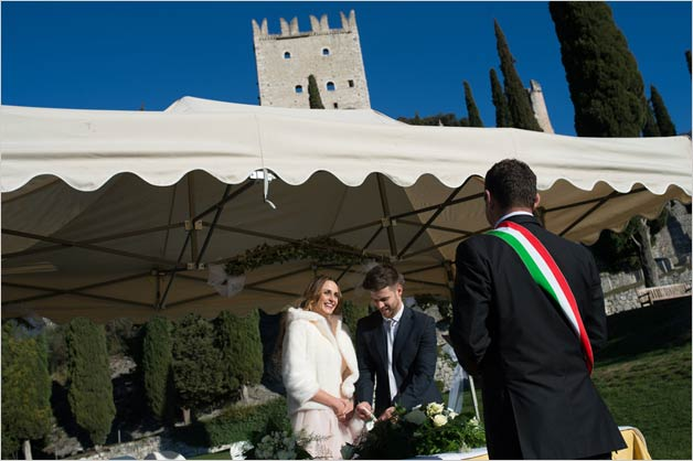arco-castle-wedding-ceremony