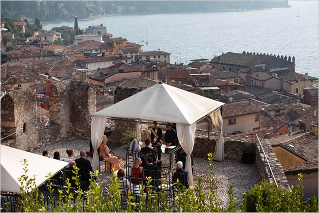 wedding ceremony overlooking lake Garda