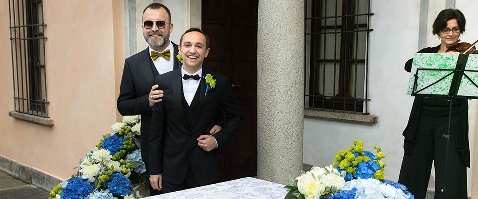 italian-lakes-same-sex-wedding-ceremony