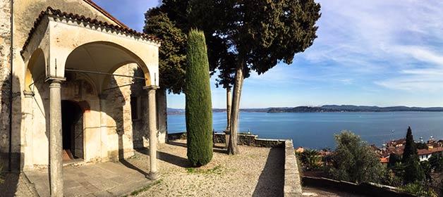 A wedding overlooking Lake Maggiore in Chiesa Vecchia of Belgirate