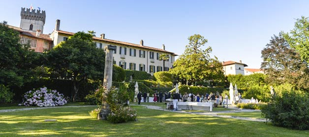 A romantic and cozy wedding close by Lake Varese