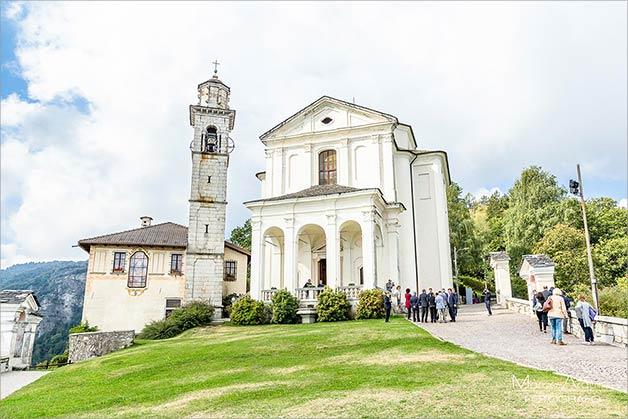 wedding-madonna-del-sasso-church-lake-orta