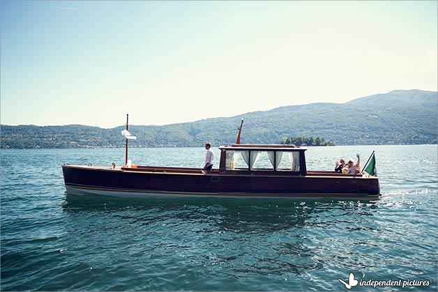 wooden-vintage-boat-lake-maggiore