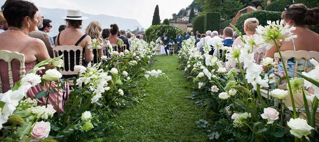 Krista & Matthew's wedding on Lake Como: focus on flower design!