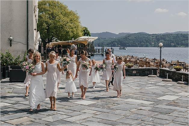 fun_destination_wedding_lake_orta