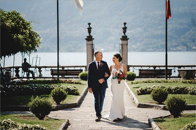 outdoor civil ceremony at Villa Bossi