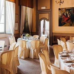 Special Paintings for an original wedding reception on Lake Orta