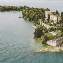 A SPECIAL ELOPE AT ISOLA DEL GARDA, WHY NOT?
