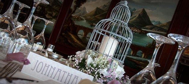 Love…. is a cage! – A Vintage birdcage for your wedding