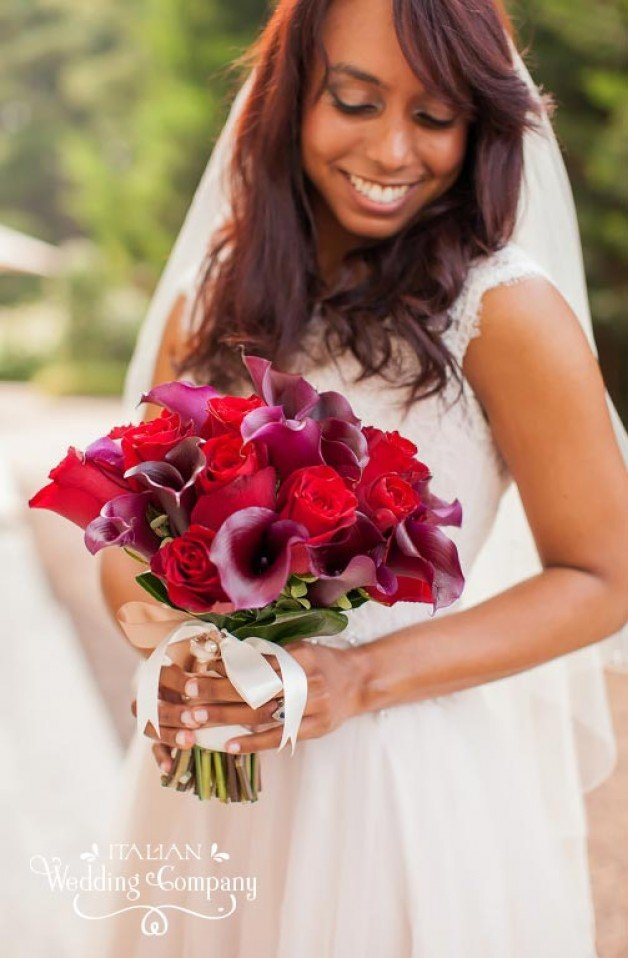 deep red roses and burgundy calla lilies bridal bouquet