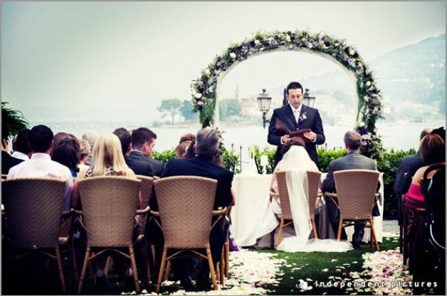outdoor ceremony on lake Maggiore shores