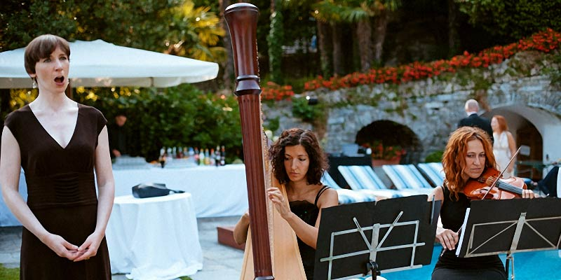 Classical harpist for weddings in Italy
