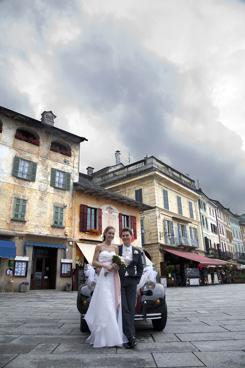top wedding photo services Lake Orta & Lake Maggiore